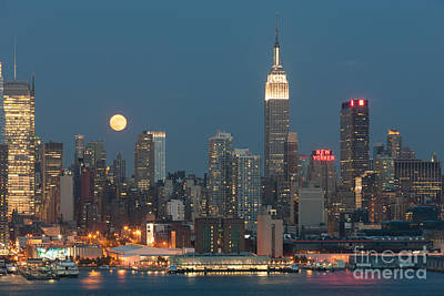 Photograph - Full Moon Rising Over New York City II by Clarence Holmes