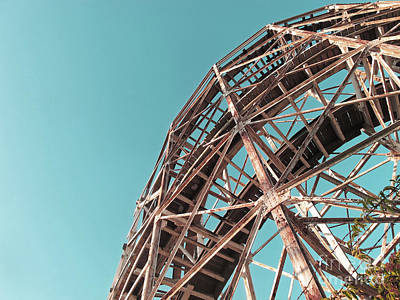Cyclone Rollercoaster Photograph - Fully Supported by Onedayoneimage Photography