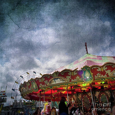 Photograph - Fun At The Carnival 2 by Dorothy Lee