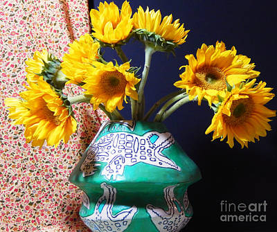 Southern Pottery Photograph - Fun Folk Art Pottery by Sharon Nelson-Bianco
