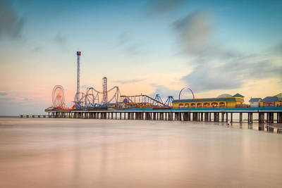 Galveston Pleasure Pier Sunset Art Print by Ray Devlin