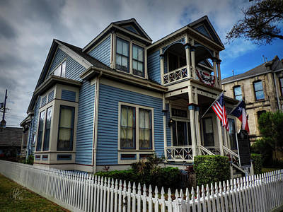 Photograph - Galveston - Powhatan And Mattie Wren House 001 by Lance Vaughn