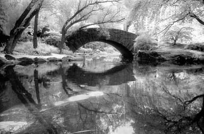 Photograph - Gapstow Bridge Ir H by Dave Beckerman