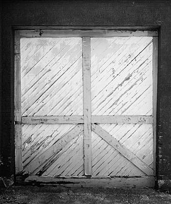 Photograph - Garage Door by Jeff Montgomery