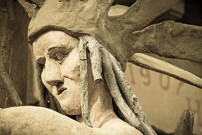 Photograph - Garden Of Eden Native American Statue by Steven Bateson
