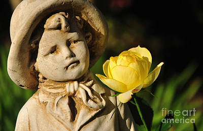 Photograph - Garden Statue by Kaye Menner