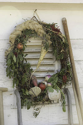 Wheat Chain Photograph - Gardeners Wreath by Teresa Mucha