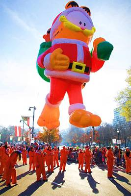Photograph - Garfield Santa Balloon by Alice Gipson