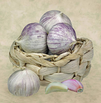 Photograph - Garlic In The Basket 2 by Manfred Lutzius