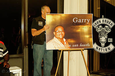 Photograph - Garry1 by Les Greenwood