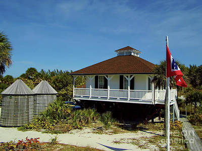 Keepers Cottage Photograph - Gasparilla Island Keepers Cottage by D Hackett