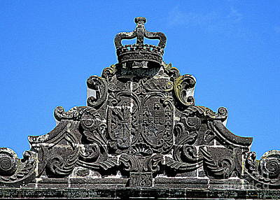 Photograph - Gate Crown by Randall Weidner
