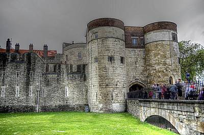 Gates To The Tower Of London Art Print