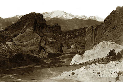 Photograph - Gateway And Pikes Peak, Garden Of The Gods, Colorado by California Views Mr Pat Hathaway Archives