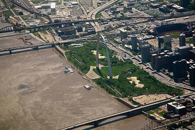 Photograph - Gateway Arch During Flood Of 2011 by David Coblitz