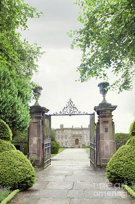 Photograph - Gateway Leading To A Historic Mansion House by Lee Avison