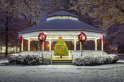 Photograph - Gazebo In Beaver Pa by Emmanuel Panagiotakis