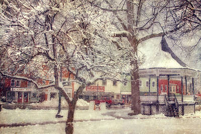 Gazebo In Snow - Milford New Hampshire Art Print