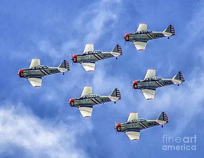 Photograph - Geico Skytypers by Nick Zelinsky