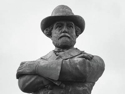 Photograph - General Robert E Lee Circle May 2017 #25 by Sean Gautreaux