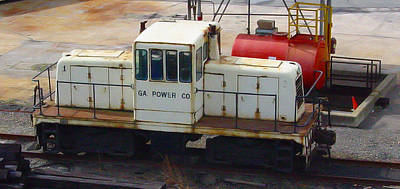 Colored Pencils - Georgia Power 45 Tonner by Pat Turner