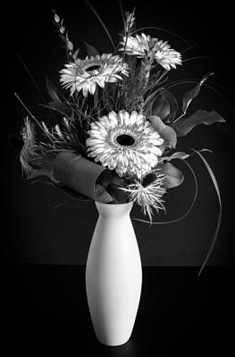 Photograph - Gerber Daisy Bouquet by Garvin Hunter