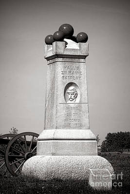 Gettysburg National Park 2nd Maine Battery Monument Art Print by Olivier Le Queinec