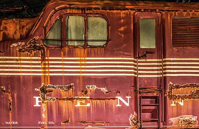 Photograph - Gg1 4913  by Eclectic Art Photos