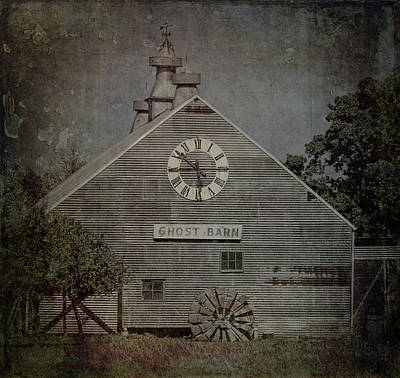 Photograph - Ghost Barn - 2704 by Teresa Wilson
