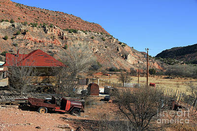 Photograph - Ghost Ranch Of Perkinsville by Teresa Zieba