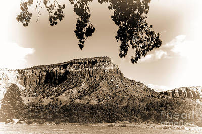 Photograph - Ghost Ranch Santa Fe Vignette by Kay Brewer