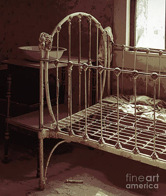 Photograph - Ghost Town Crib by Sharon Seaward