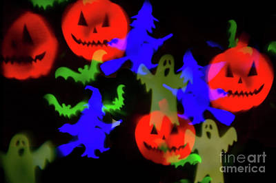 Mellow Yellow - Ghosts And Ghouls by Steve Purnell