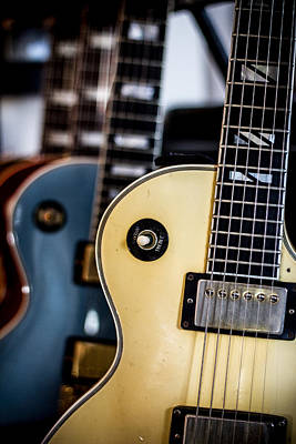 Photograph - Gibson Les Pauls by Robert J Caputo