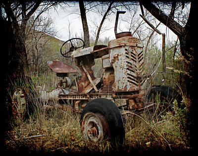 Gibson Tractor Photograph - Gibson Tractor by Ernie Echols
