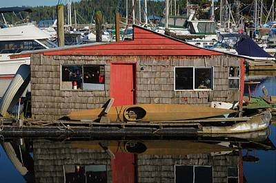 Photograph - Gibsons Harbour Houseboat by Cheryl Hoyle