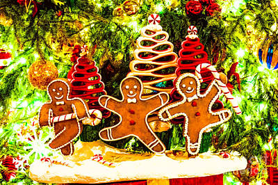 Photograph - Gingerbread Men Wonderland by Frances Ann Hattier