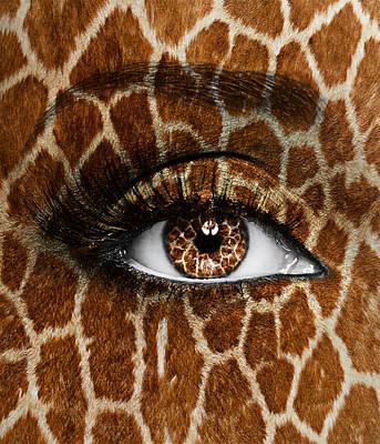 Human Eye Photograph - Giraffe by Yosi Cupano