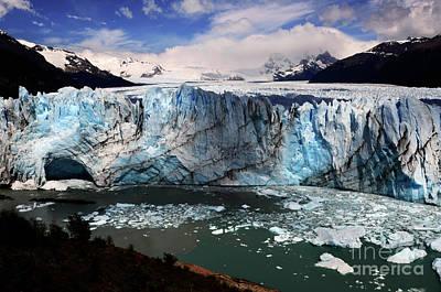 Photograph - Glaciar Perito Moreno Patagonia 2 by Bob Christopher