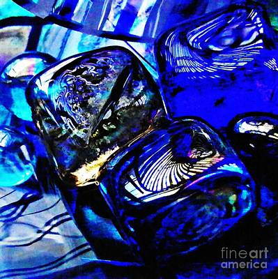 Dichroic Photograph - Glass Abstract 14 by Sarah Loft