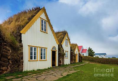 Photograph - Glaumbaer Farmhouses by Inge Johnsson
