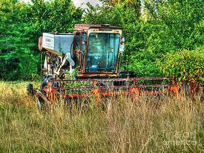 Gleaners Photograph - Gleaner Combine by Kevin Pugh