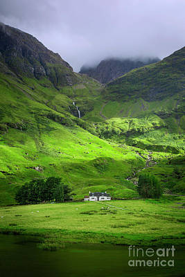 Photograph - Glencoe Cottage by Brian Jannsen