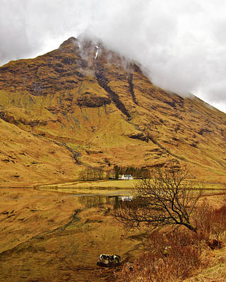 Photograph - Glencoe Cottage by Colette Panaioti