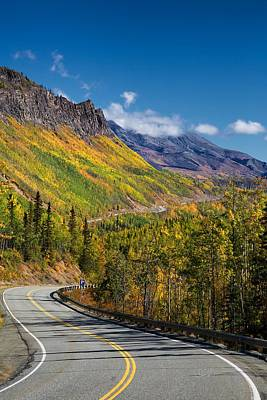 Curving Road Photograph - Glenn Autumn by Ed Boudreau