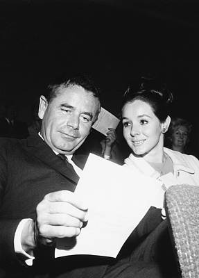 Movie Star Photograph - Glenn Ford And Kathy Hays by Underwood Archives