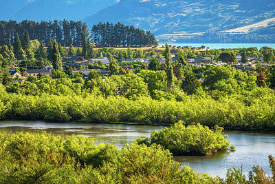 Wine Corks Royalty Free Images - Glenorchy Lagoon at golden hour, New Zealand Royalty-Free Image by Daniela Constantinescu