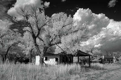 Photograph - Glenrio Gas Station by James Barber