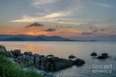 Photograph - Gloaming by Michelle Meenawong