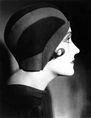 Cloche Hat Photograph - Gloria Swanson, 1930 by Everett